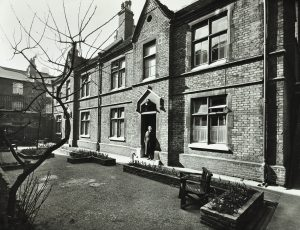 Image of St Giles Alsmhouses in 1958